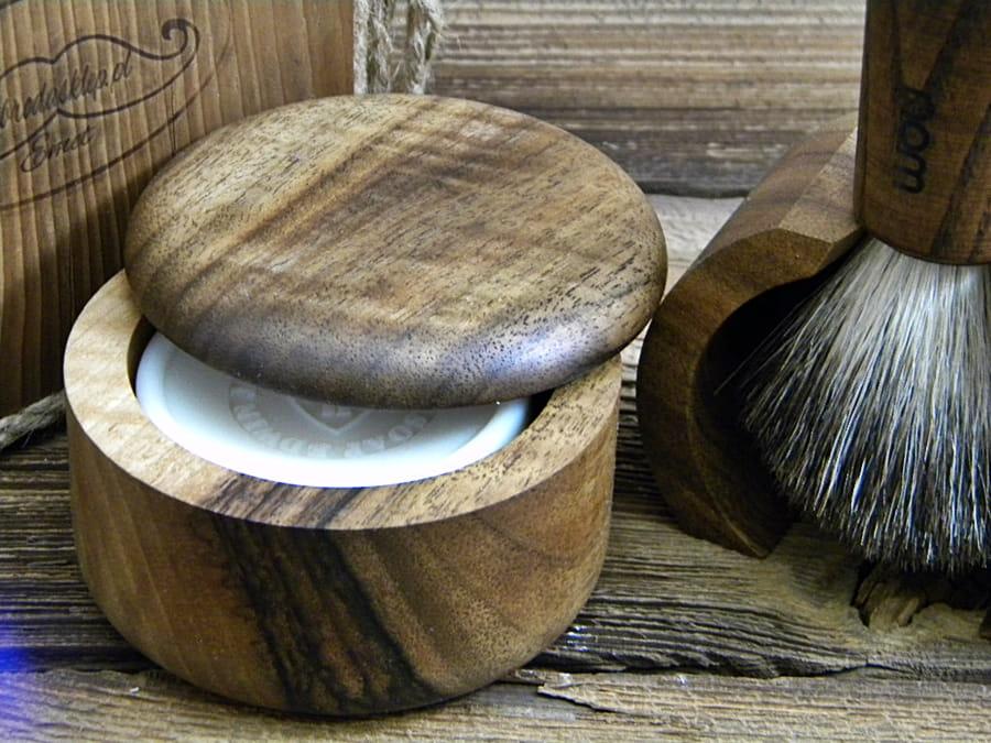 Tygiel, miseczka na mydło do golenia ORZECH.